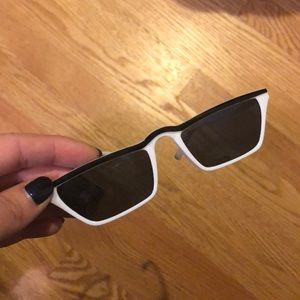 Minimal sunglasses